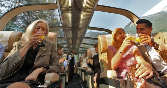 Rocky Mountaineer Panoramawagen - GoldLeaf Class